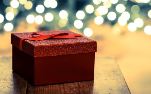 6798598-holiday-gift-box-wallpaper